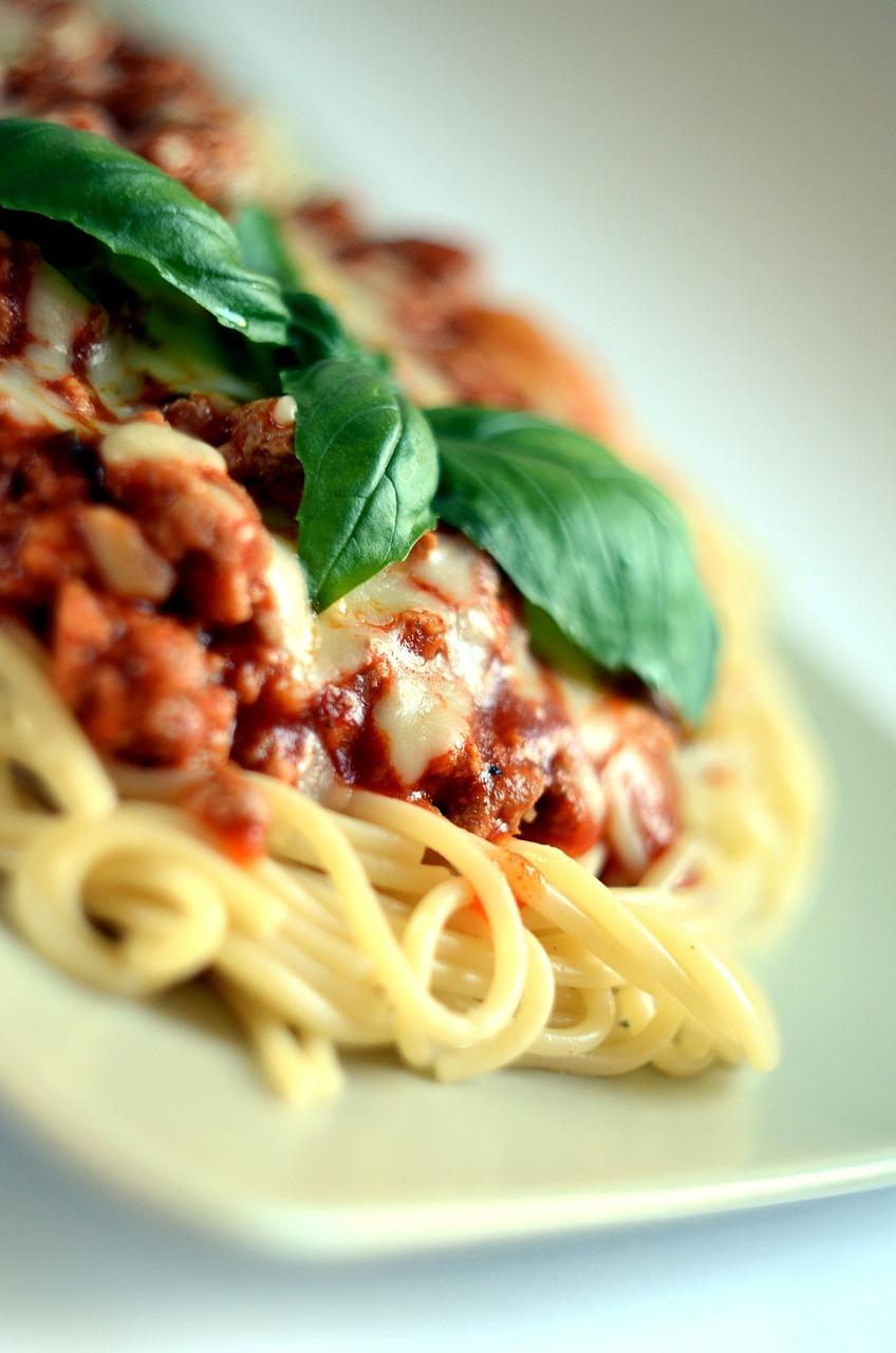 spaghetti, pasta, semolina